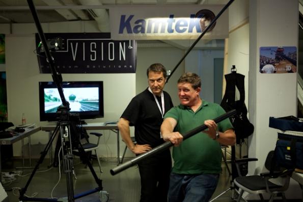 Das Kamtek-Team (M. Loew/J. Genserowski) bereitet sich auf den zu erwartenden Kundenansturm vor.